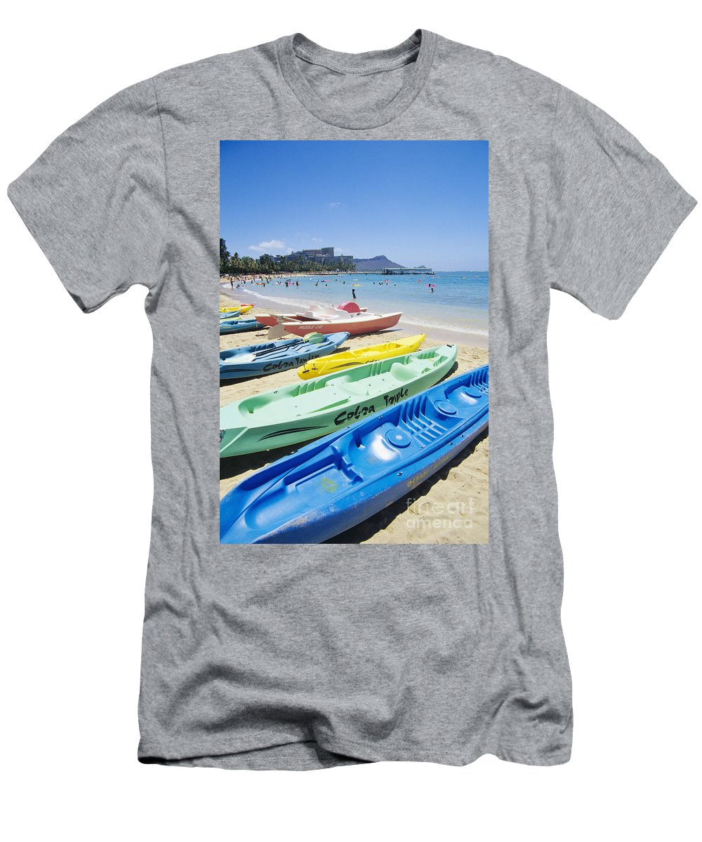 Active Men's T-Shirt (Athletic Fit) featuring the photograph Colorful Kayaks On The Beach by Bill Brennan - Printscapes