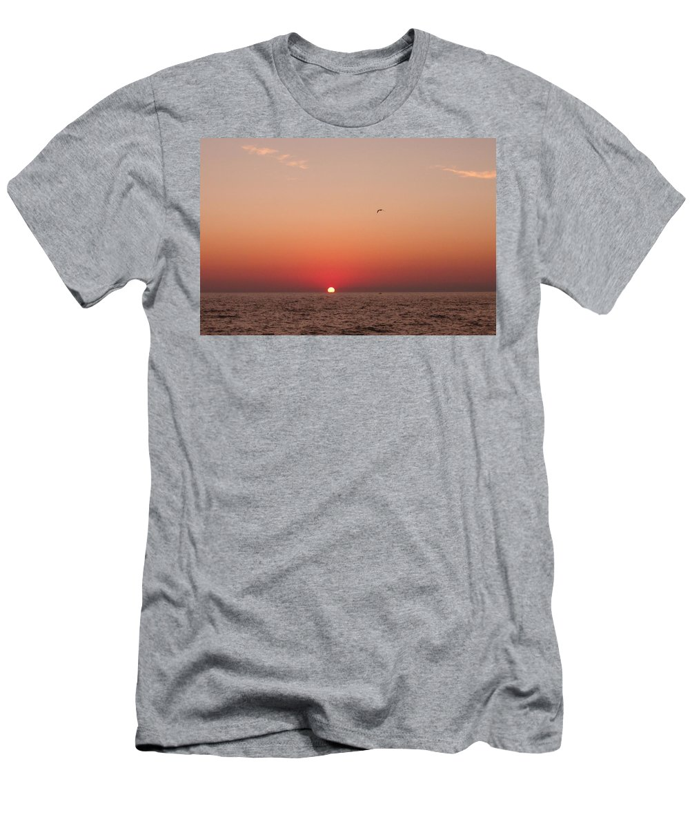 Sunset Men's T-Shirt (Athletic Fit) featuring the photograph Day's End Lake Michigan by Ted Lepczynski
