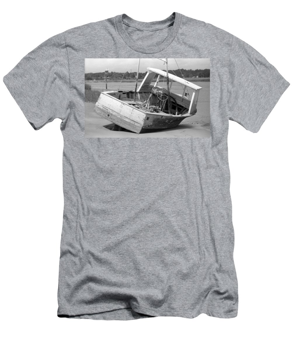 Abandoned Men's T-Shirt (Athletic Fit) featuring the photograph Decommissioned by Richard Rizzo