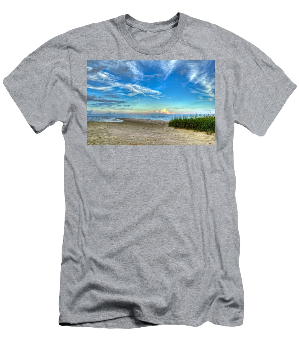 Beach Men's T-Shirt (Athletic Fit) featuring the photograph Distant Thunderhead by Rich Leighton