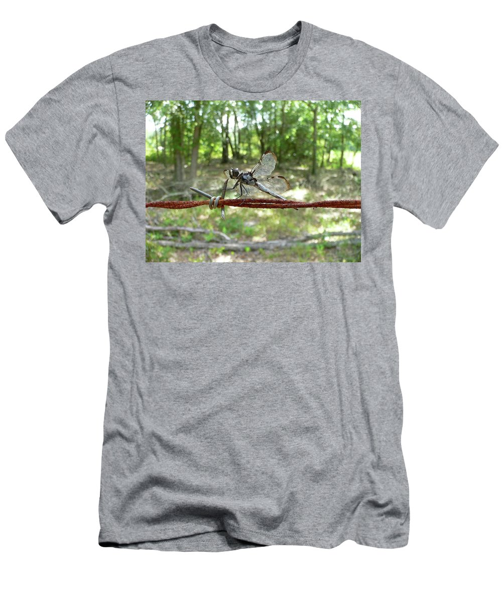 Dragonfly Men's T-Shirt (Athletic Fit) featuring the photograph Dragonfly On Barbed Wire by Al Powell Photography USA