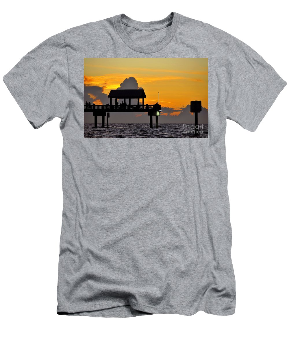 Gulf Of Mexico Men's T-Shirt (Athletic Fit) featuring the photograph Dusk Over The Gulf by David Lee Thompson