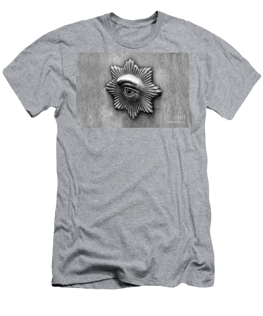 Eye Men's T-Shirt (Athletic Fit) featuring the photograph Eye Star by David Lee Thompson