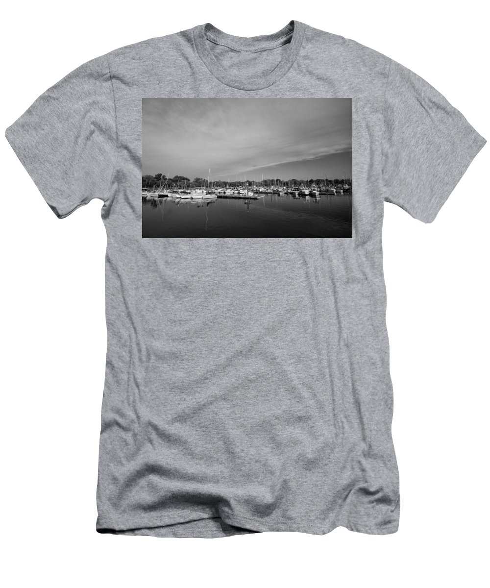 Boats Men's T-Shirt (Athletic Fit) featuring the photograph Fairfield Marina by Stephanie McDowell