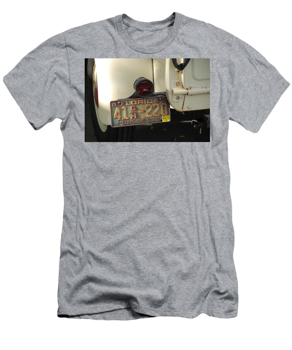 Truck Men's T-Shirt (Athletic Fit) featuring the photograph Florida Dodge by Rob Hans