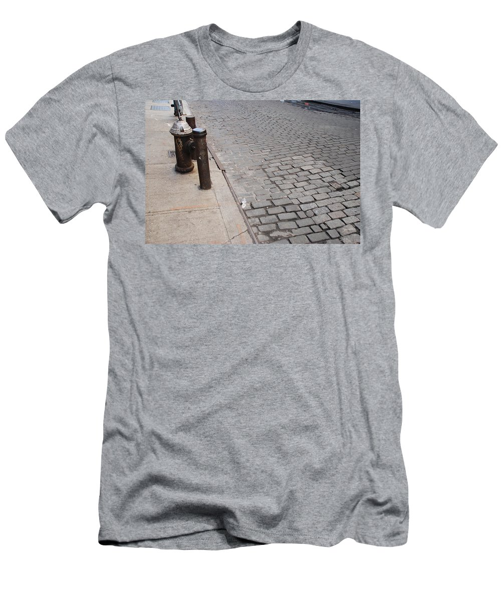 Architecture Men's T-Shirt (Athletic Fit) featuring the photograph Forgotten N Y by Rob Hans