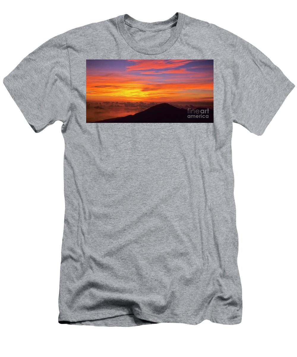 Nature Men's T-Shirt (Athletic Fit) featuring the photograph Haleakala Sunrise Colors IIi by Jim Cazel