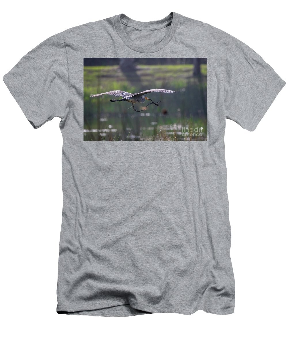 Heron Men's T-Shirt (Athletic Fit) featuring the photograph Heron With Nesting Material by Tom Claud
