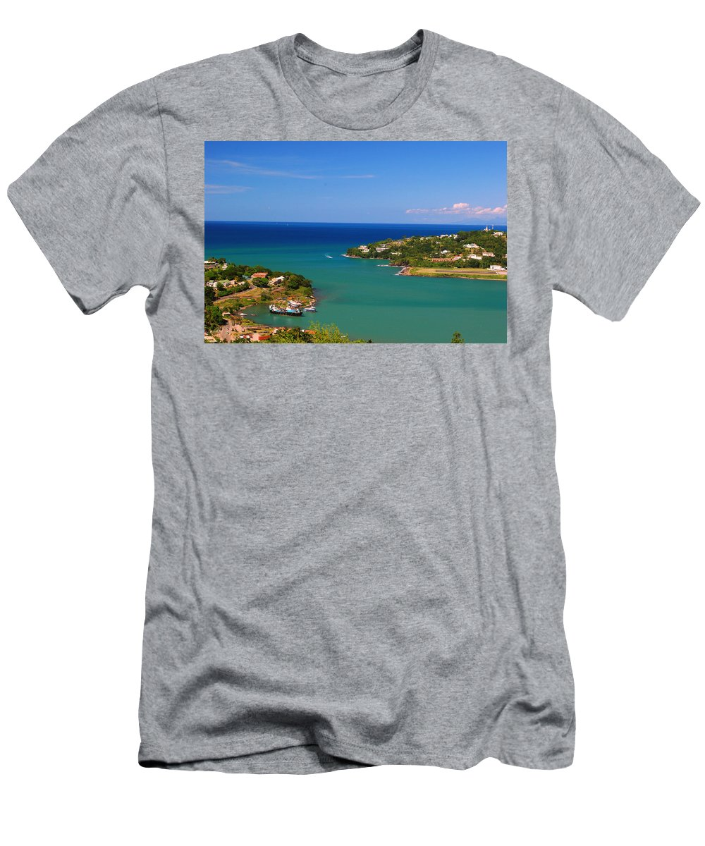St. Lucia Men's T-Shirt (Athletic Fit) featuring the photograph Islands In The Stream by Gary Wonning