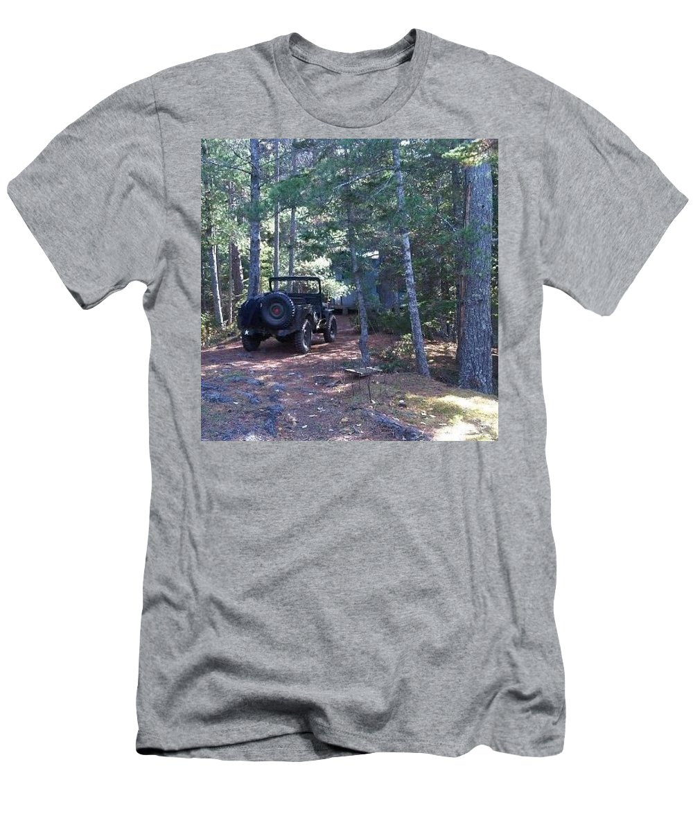 Woods Men's T-Shirt (Athletic Fit) featuring the photograph Jeep At Tin Camp by Juli Kreutner