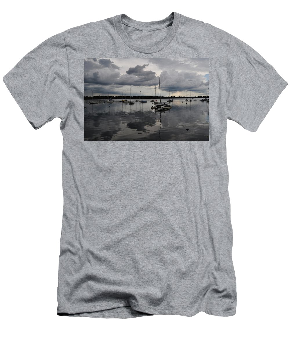 Lake Men's T-Shirt (Athletic Fit) featuring the photograph Lake Harriet by Senthil Subramanian