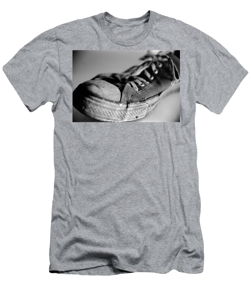 Chuck Taylor Men's T-Shirt (Athletic Fit) featuring the photograph Last Leg by Jeffery Ball