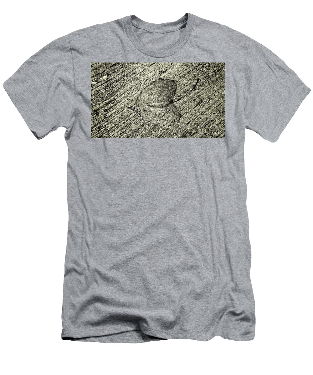 Nature Men's T-Shirt (Athletic Fit) featuring the photograph Lasting Impression by Nathan Little