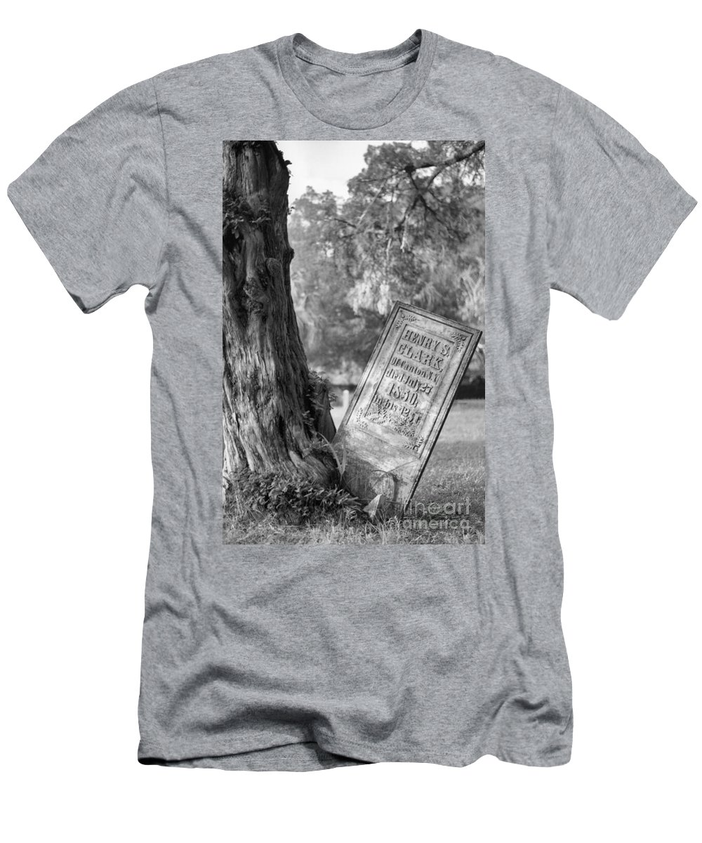 Graves Men's T-Shirt (Athletic Fit) featuring the photograph Life After Death by Richard Rizzo