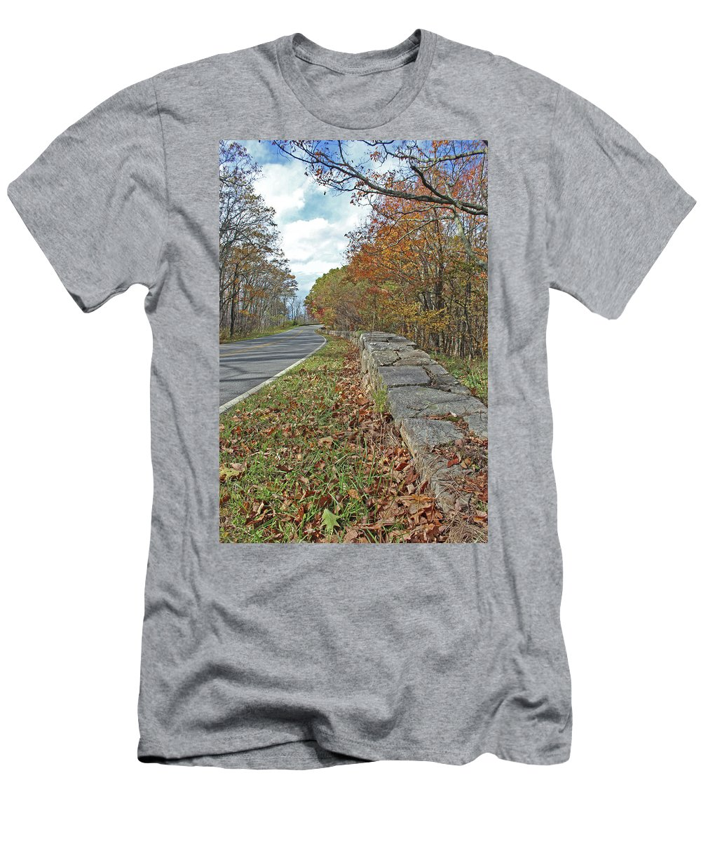 Sky Line Drive Men's T-Shirt (Athletic Fit) featuring the photograph Lonely Road by Paul A Williams