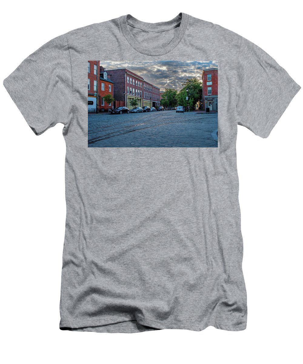 2017 Men's T-Shirt (Athletic Fit) featuring the photograph Looking East by Jim Archer