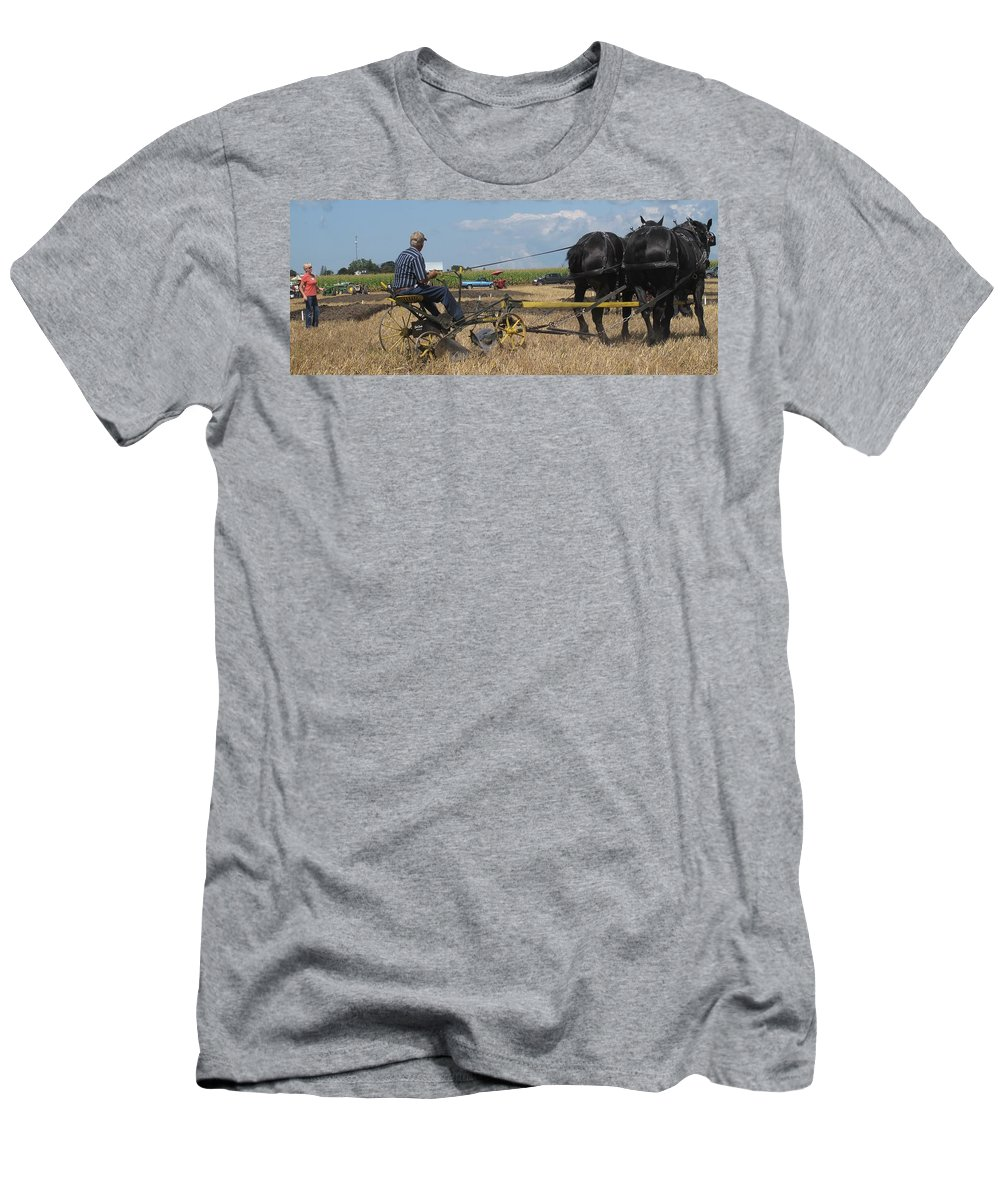 Horse Men's T-Shirt (Athletic Fit) featuring the photograph Making The Clubhouse Turn by Ian MacDonald
