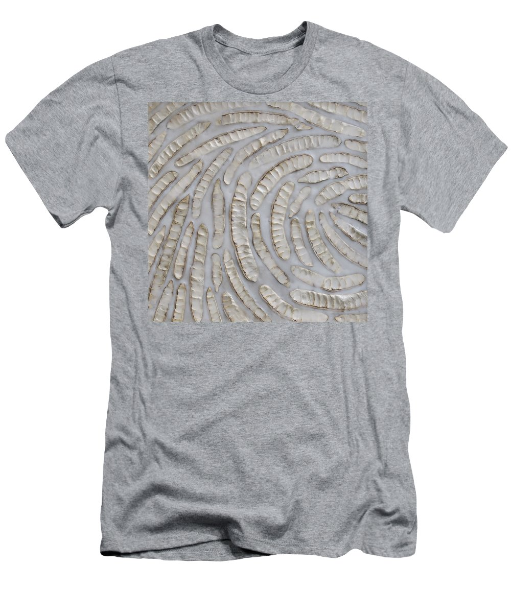 Pods Men's T-Shirt (Athletic Fit) featuring the photograph Momentum by Susie Frazier