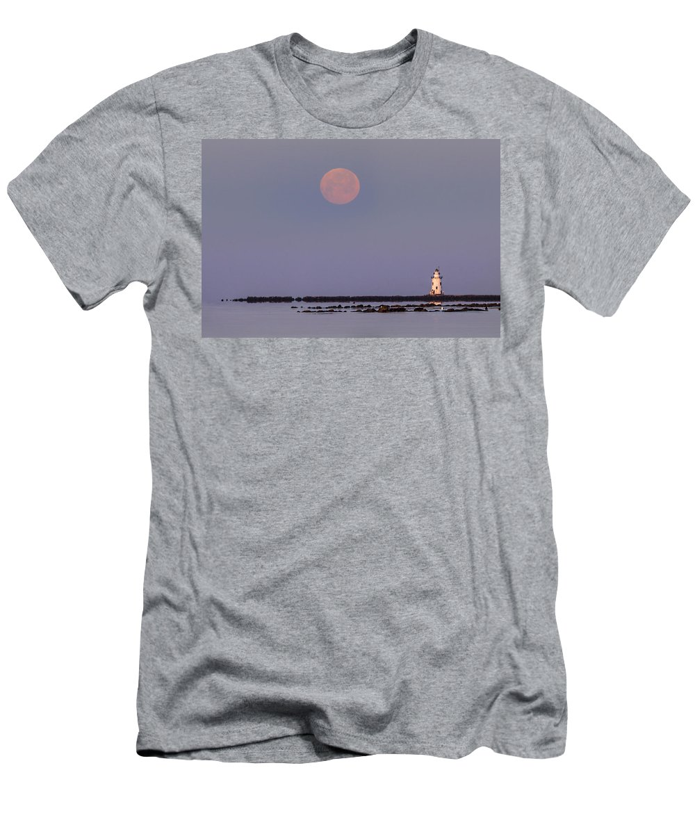 Full Moon Men's T-Shirt (Athletic Fit) featuring the photograph Moonset Over Outer Light by Jonathan Steele