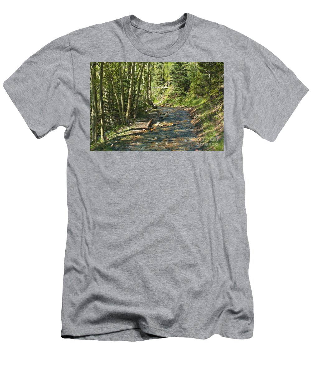 Trees Men's T-Shirt (Athletic Fit) featuring the photograph Mountain Road by Linda Gilliland