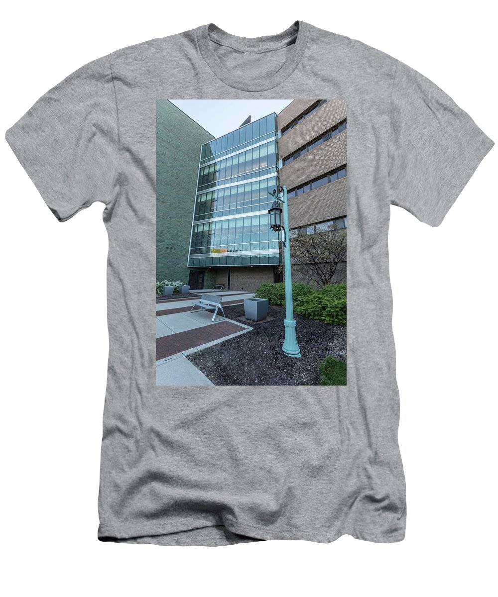 Big Ten Men's T-Shirt (Athletic Fit) featuring the photograph Msu Spring 26 by John McGraw