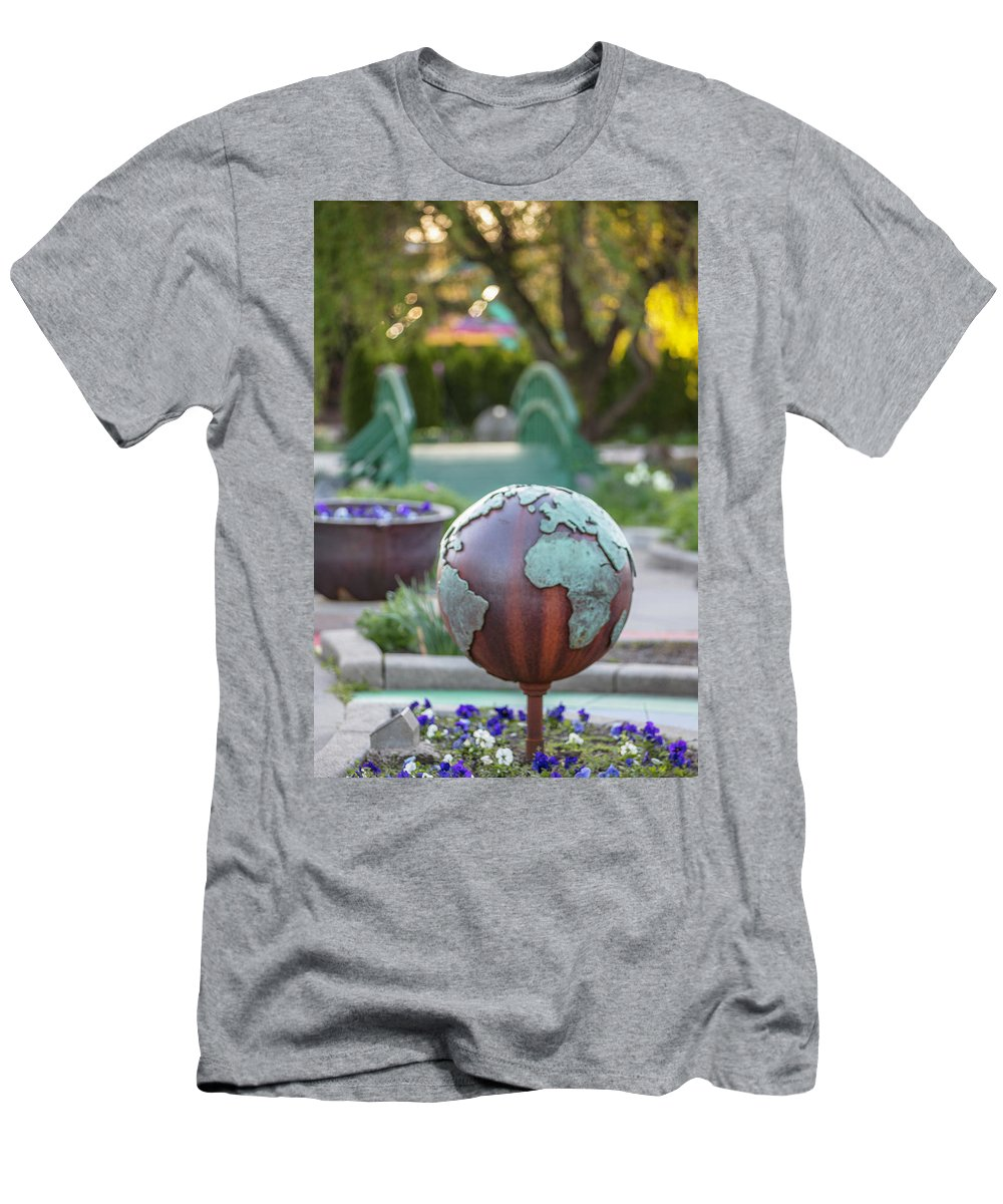 Big Ten Men's T-Shirt (Athletic Fit) featuring the photograph Msu Spring 6 by John McGraw