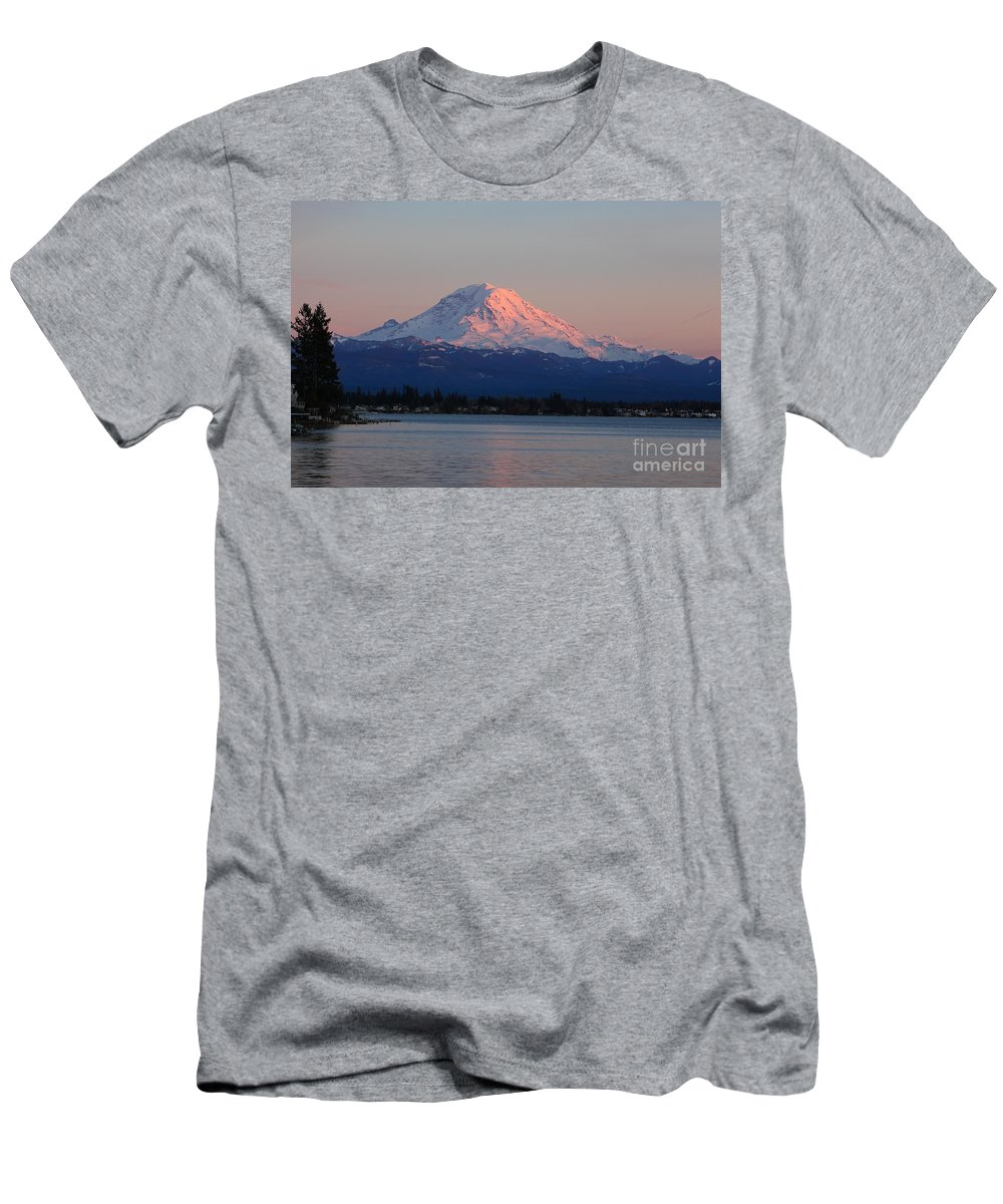 Mt Rainier Men's T-Shirt (Athletic Fit) featuring the photograph Mt Rainier Sunset by Peter Simmons