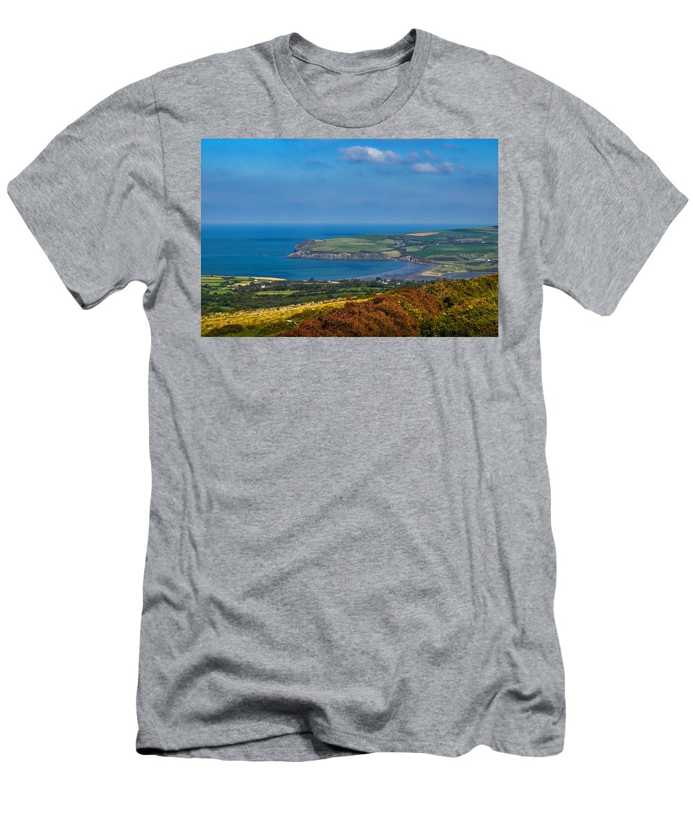 Pembroke Men's T-Shirt (Athletic Fit) featuring the photograph Newport Bay by Mark Llewellyn