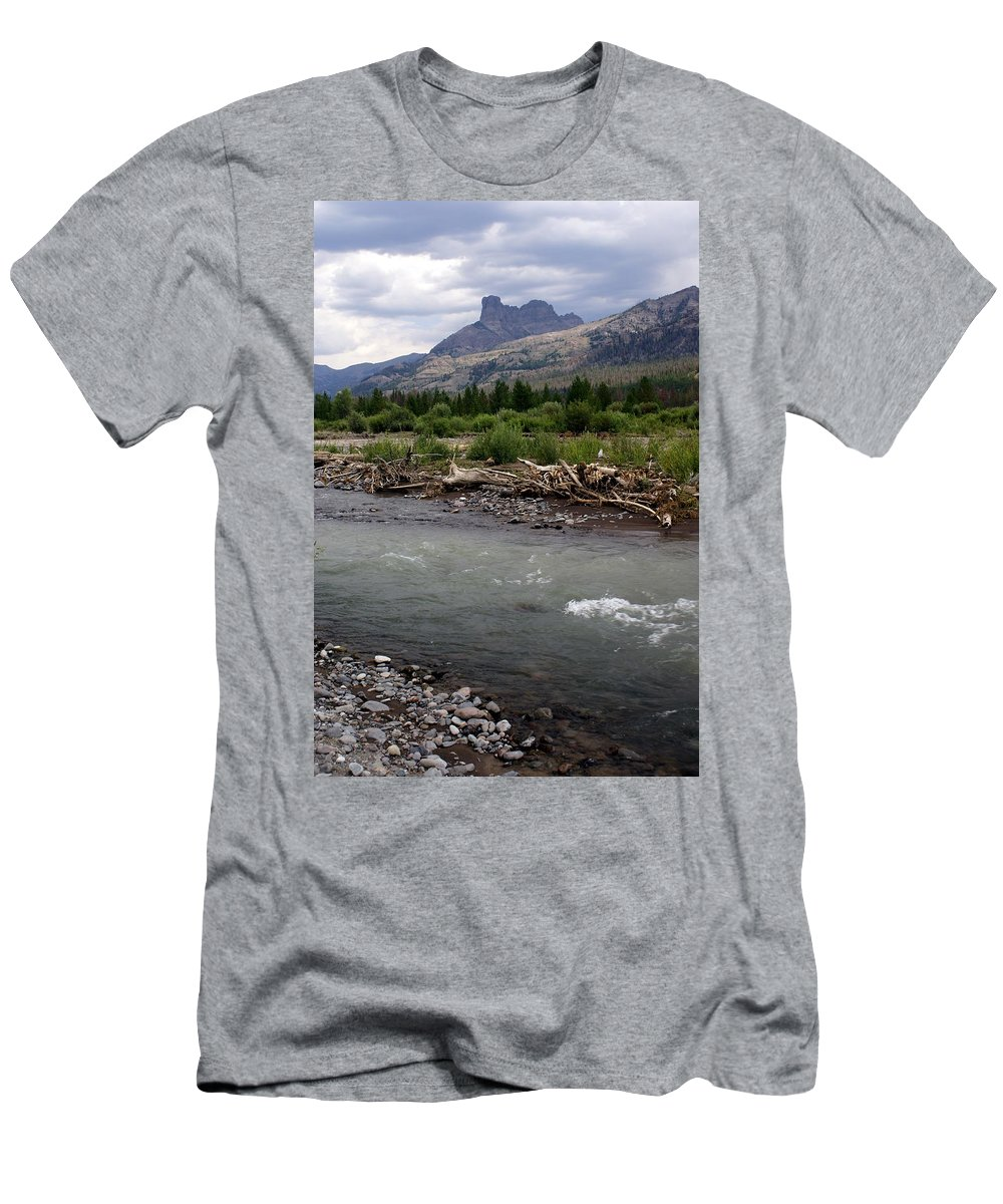 Rivers Men's T-Shirt (Athletic Fit) featuring the photograph North Of Dubois Wy by Marty Koch