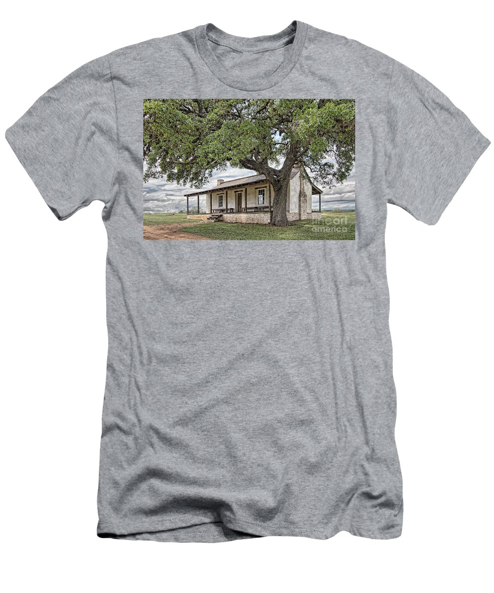 Fort Martin Scott Men's T-Shirt (Athletic Fit) featuring the photograph Officer's Quarters by Sam Stanton