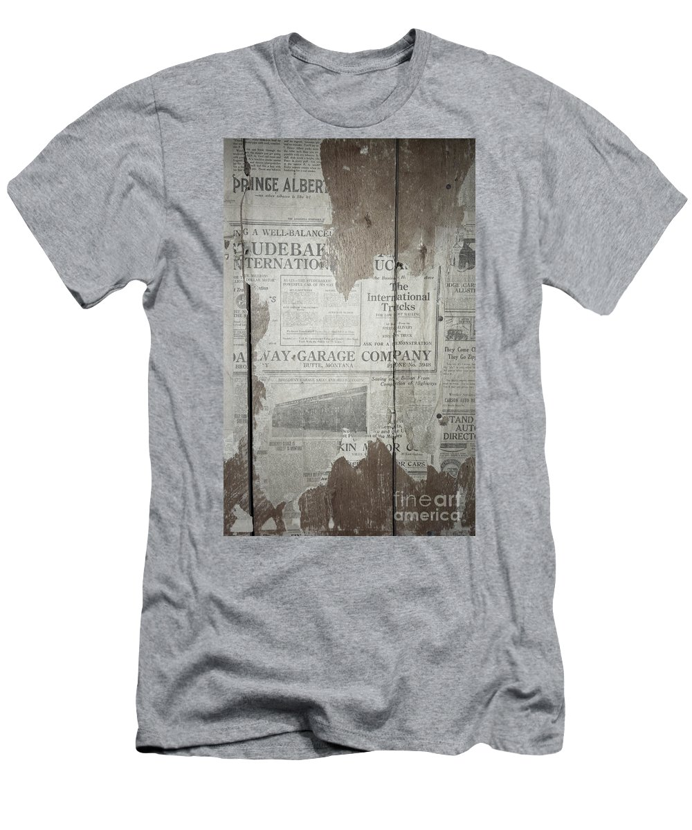 Newspapers Men's T-Shirt (Athletic Fit) featuring the photograph Old News by Richard Rizzo