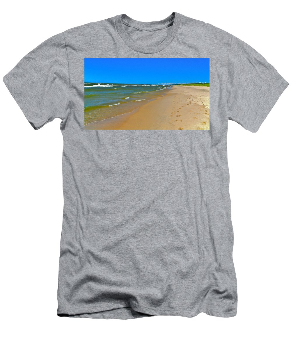 Sand Men's T-Shirt (Athletic Fit) featuring the photograph Oval Park In The Sun by Robert Pearson