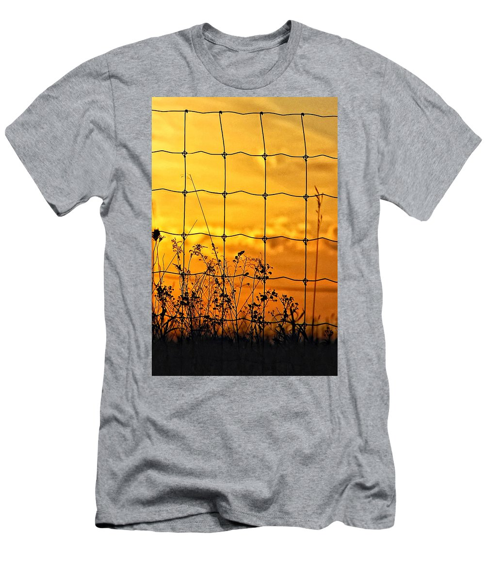 Weeds Men's T-Shirt (Athletic Fit) featuring the photograph Patterns by Steve Harrington