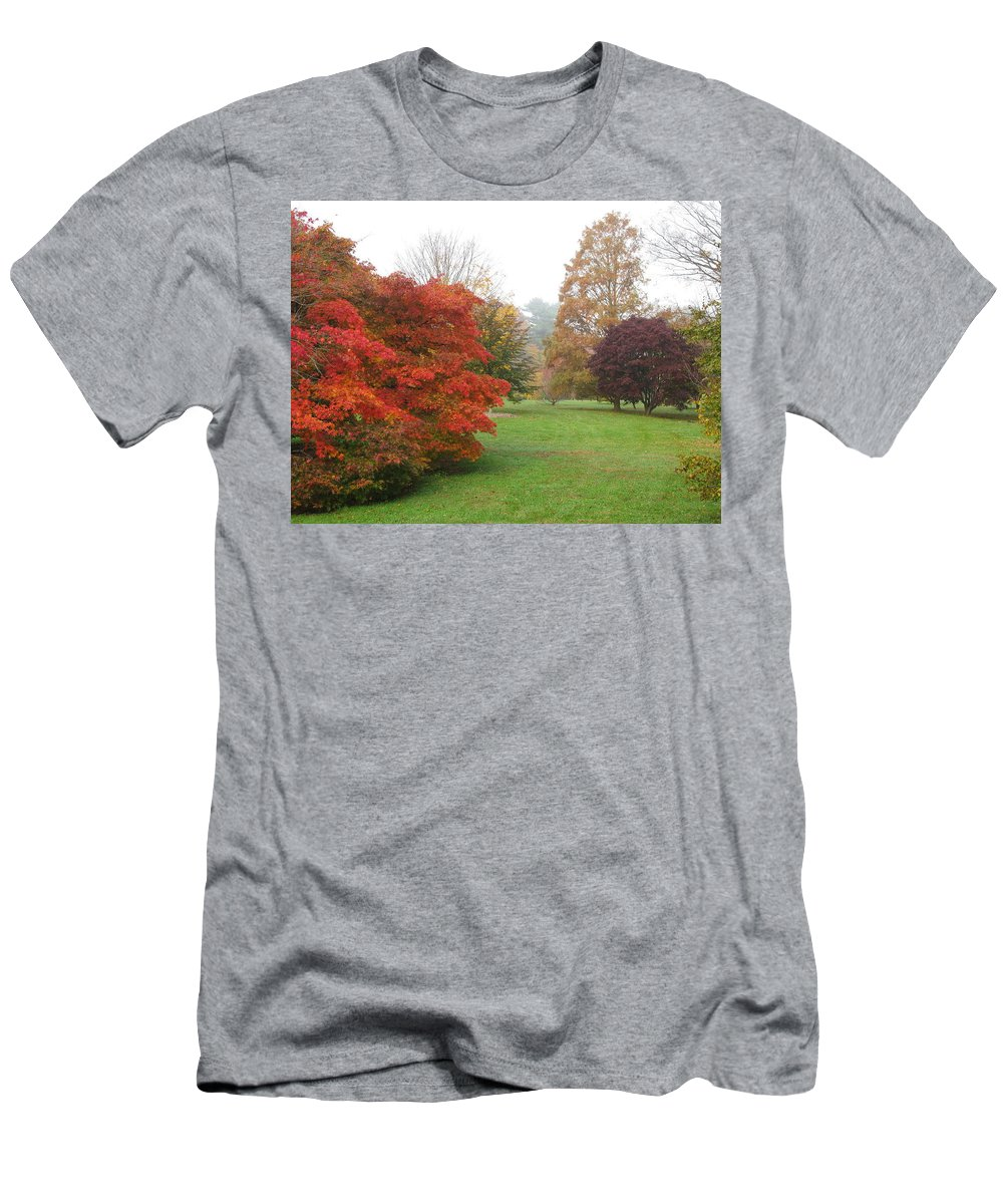 Planting Fields Men's T-Shirt (Athletic Fit) featuring the photograph Planting Fields Red Tree by Howard Rose