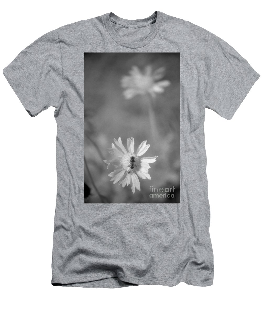 Pollinate Men's T-Shirt (Athletic Fit) featuring the photograph Pollination by Richard Rizzo