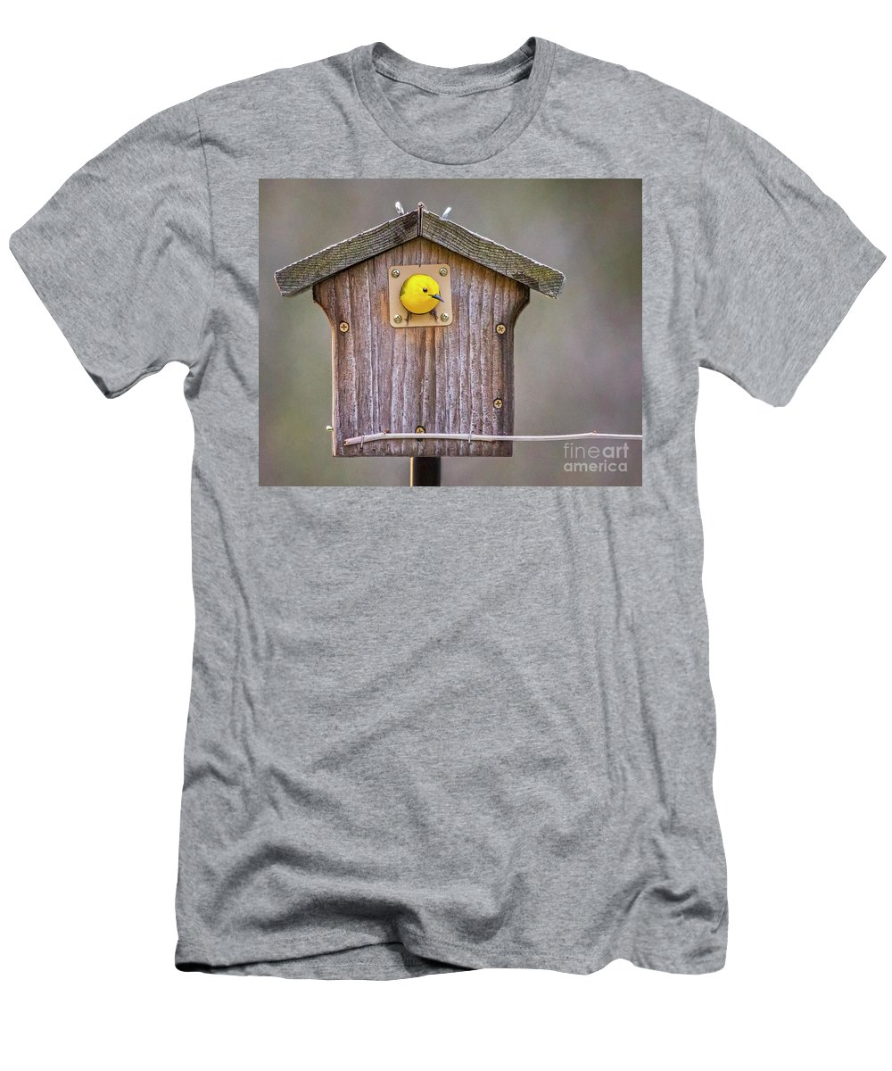 Bird Men's T-Shirt (Athletic Fit) featuring the photograph Prothonotary Warbler House by Emma England