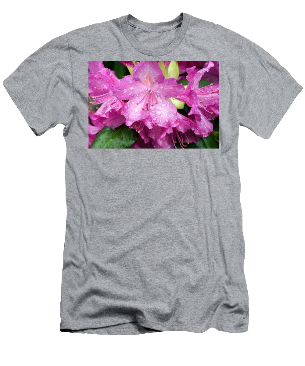 Flowers Men's T-Shirt (Athletic Fit) featuring the photograph Purple Pink Horizontal by Marty Koch