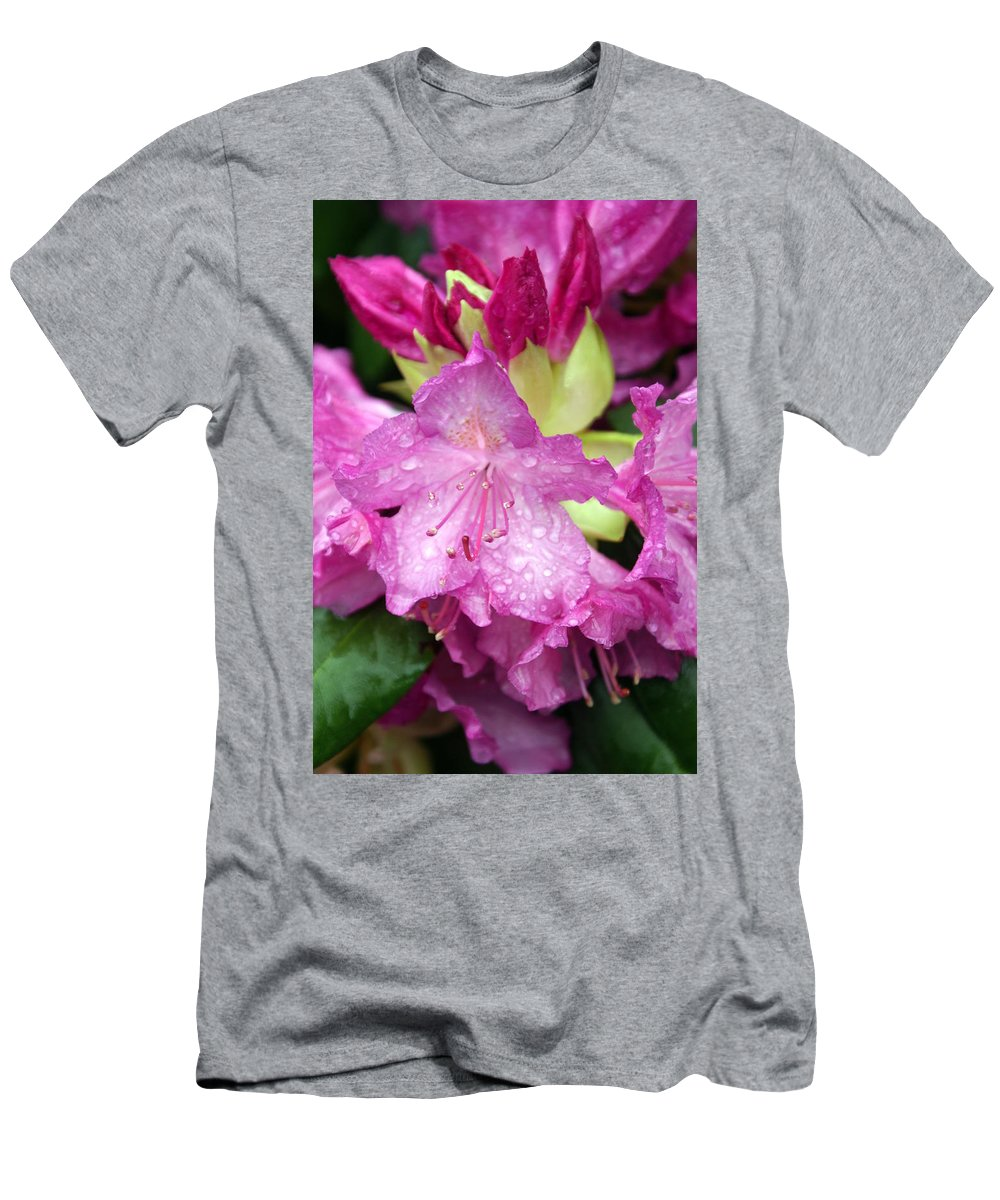 Fllowers Men's T-Shirt (Athletic Fit) featuring the photograph Purple Pink by Marty Koch