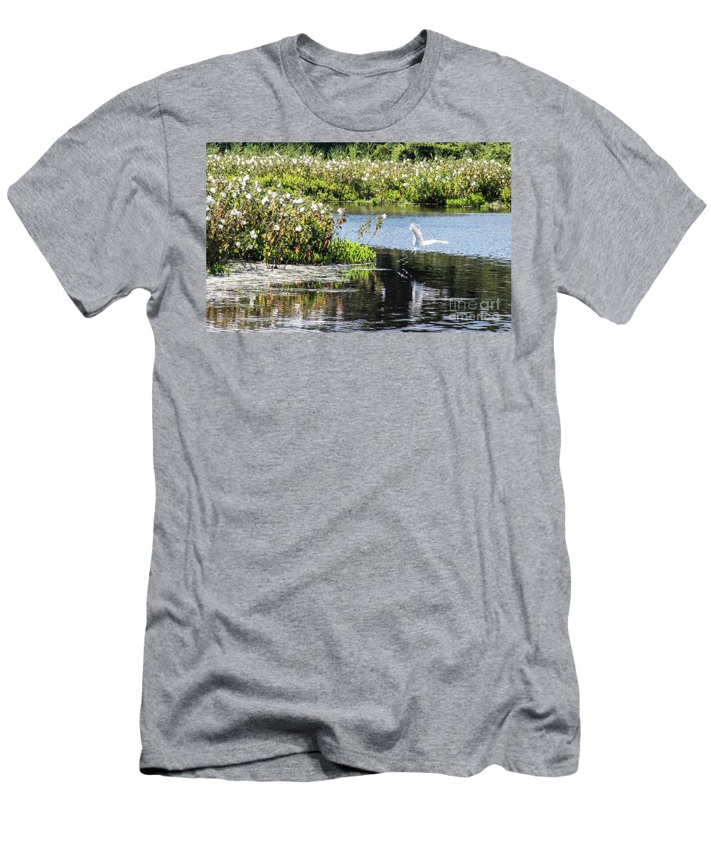 Egret Men's T-Shirt (Athletic Fit) featuring the photograph Ready For Touch Down by Tom Horsch Photography
