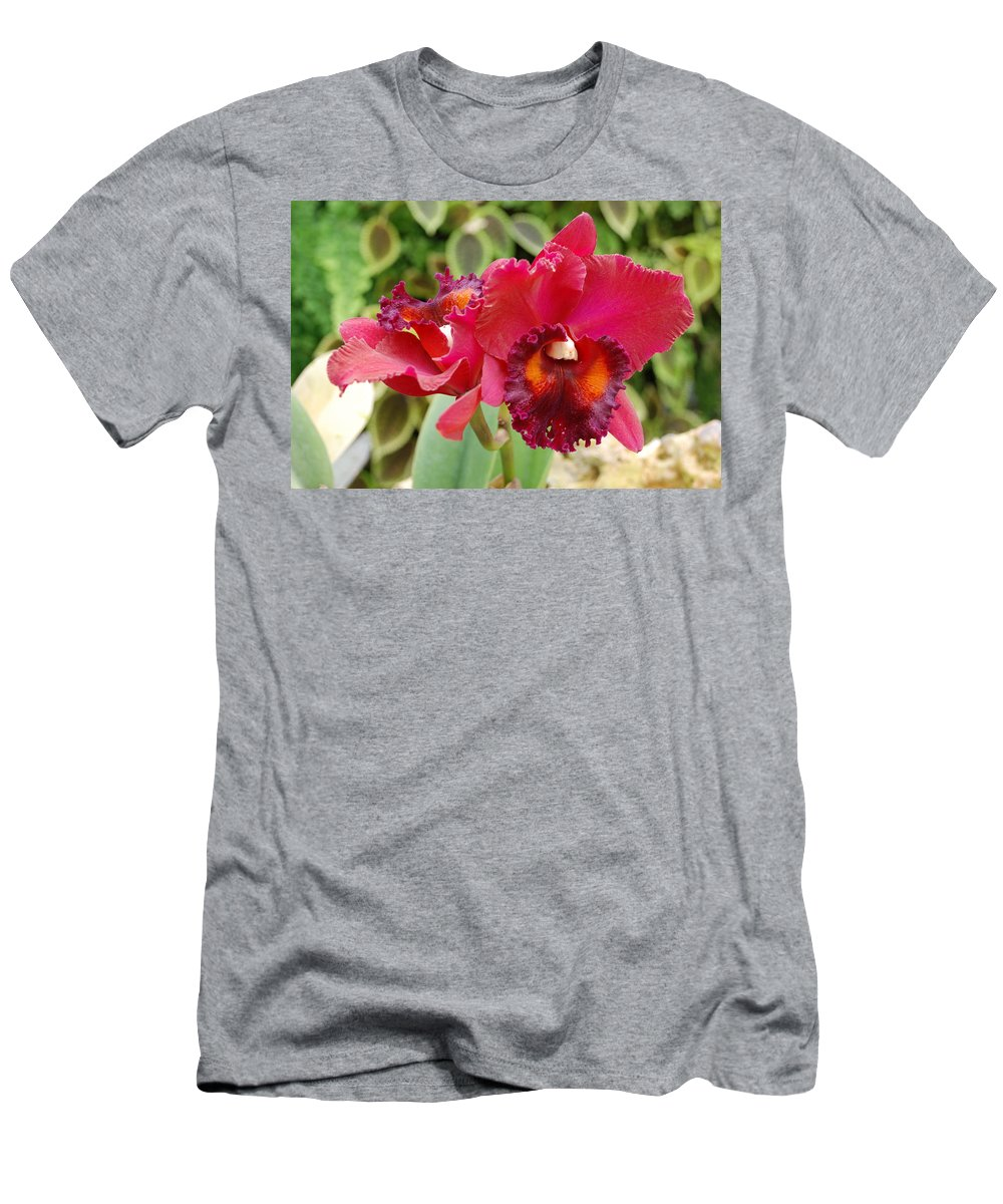 Macro Men's T-Shirt (Athletic Fit) featuring the photograph Red Orchid by Rob Hans