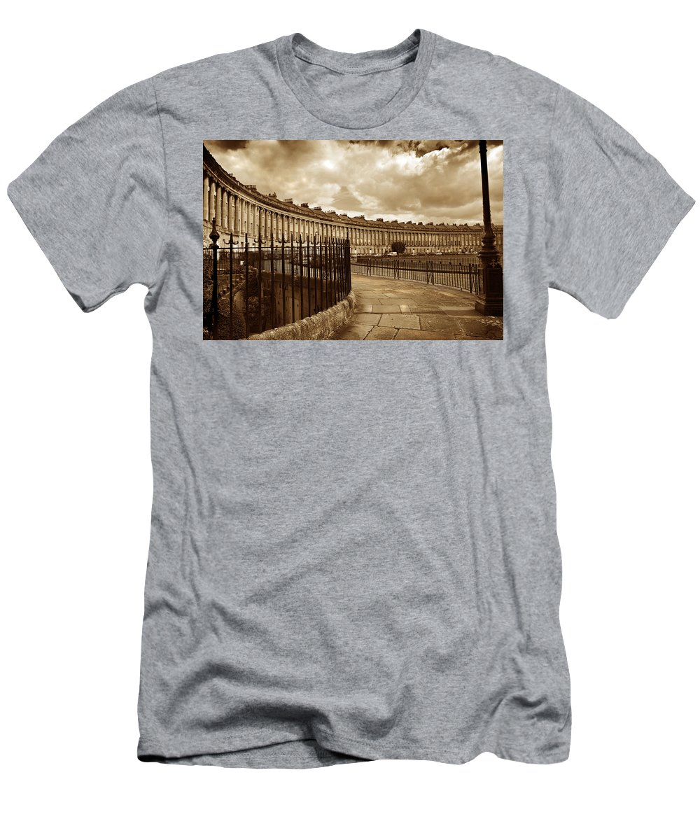 Bath Men's T-Shirt (Athletic Fit) featuring the photograph Royal Crescent Bath Somerset England Uk by Mal Bray