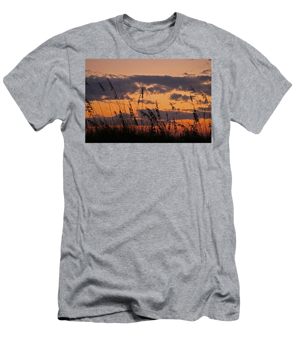 Sunset Men's T-Shirt (Athletic Fit) featuring the photograph Sandestin by David Campbell