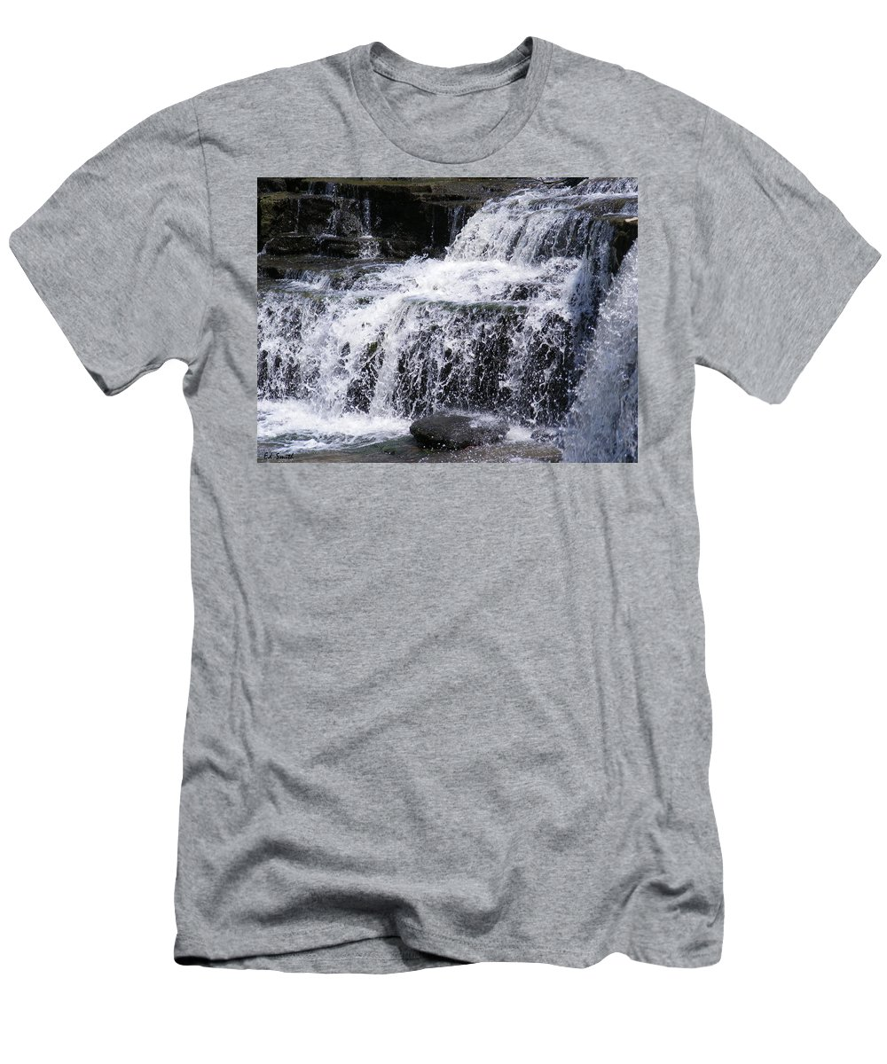 Splash Men's T-Shirt (Athletic Fit) featuring the photograph Splash by Ed Smith