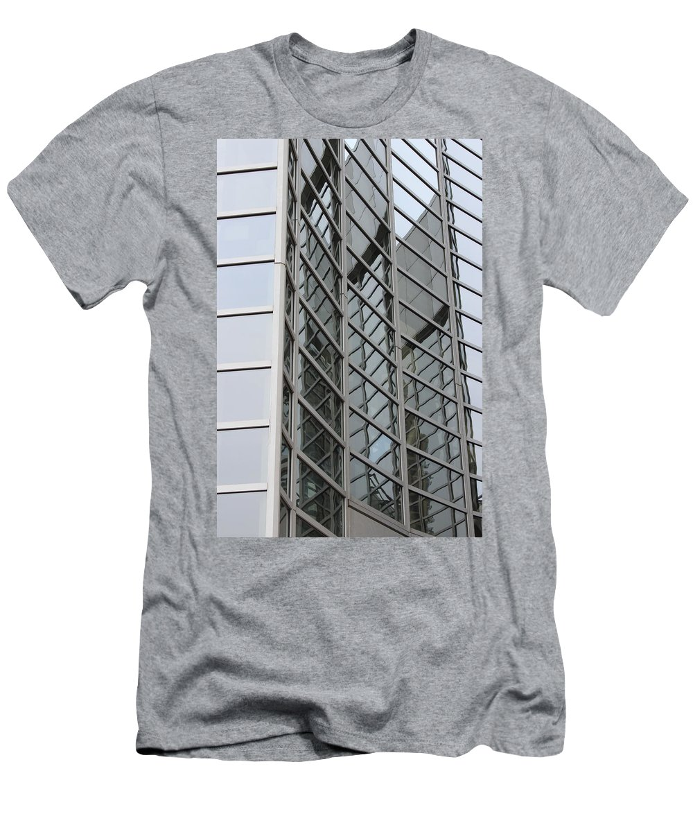 Building Men's T-Shirt (Athletic Fit) featuring the photograph Stay Inside The Lines by Wade Milne