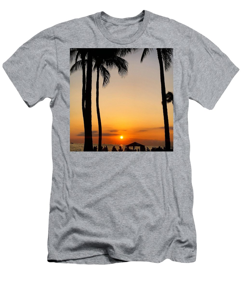 Sunset Men's T-Shirt (Athletic Fit) featuring the photograph Sunset In The Sandwich Isles by Michael Maimone