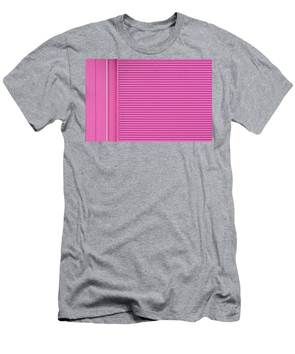 Urban Men's T-Shirt (Athletic Fit) featuring the photograph Texas Colours 3 by Stuart Allen