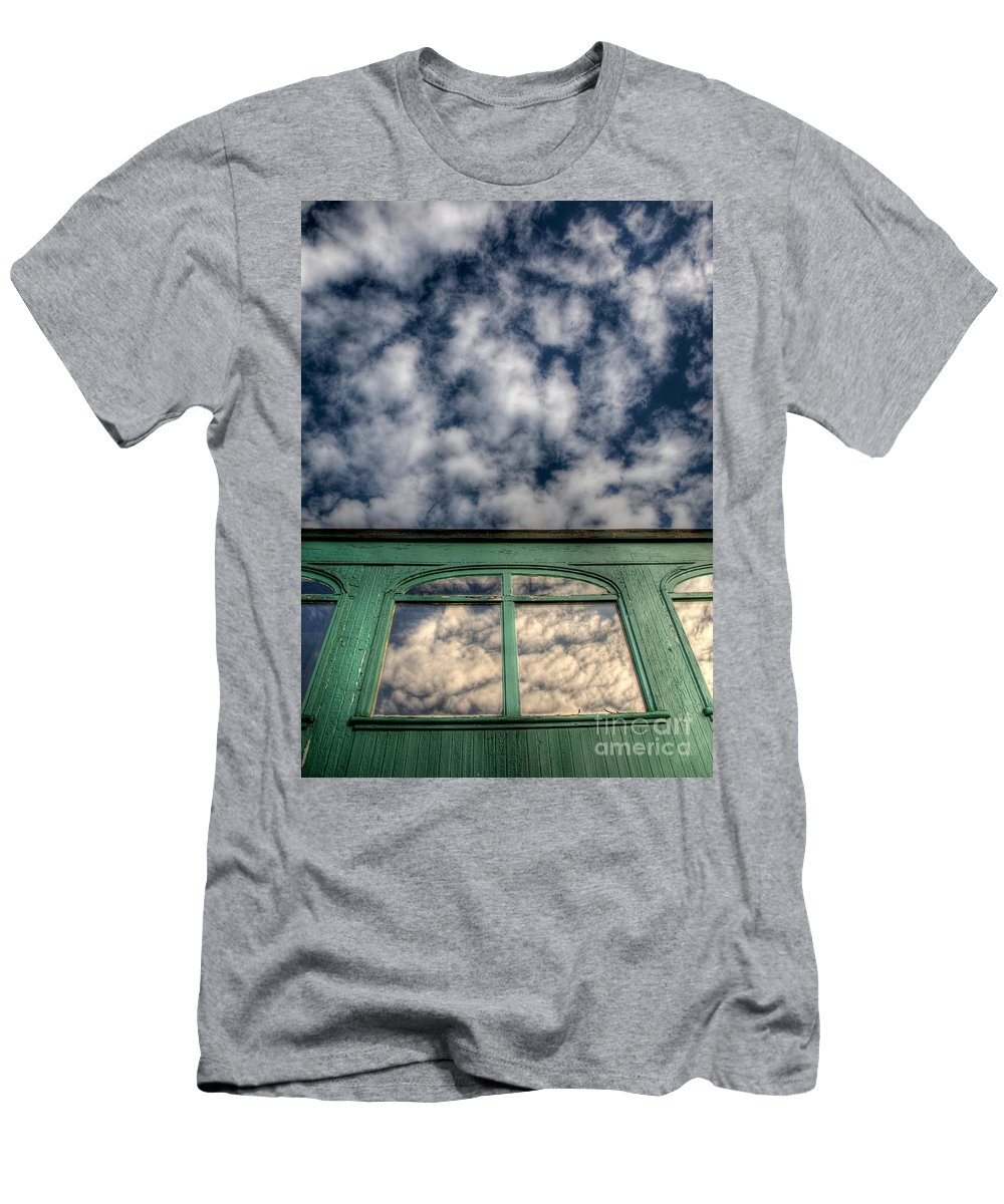 Railway Men's T-Shirt (Athletic Fit) featuring the photograph The Green Carriage by Chris Dutton