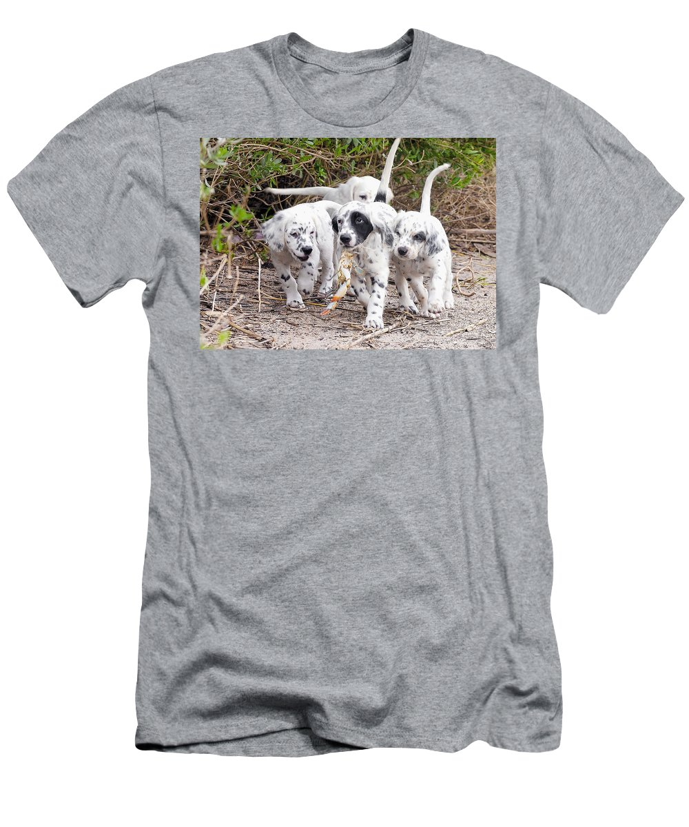 English Setter T-Shirt featuring the photograph The Puppy's Prize by Scott Hansen