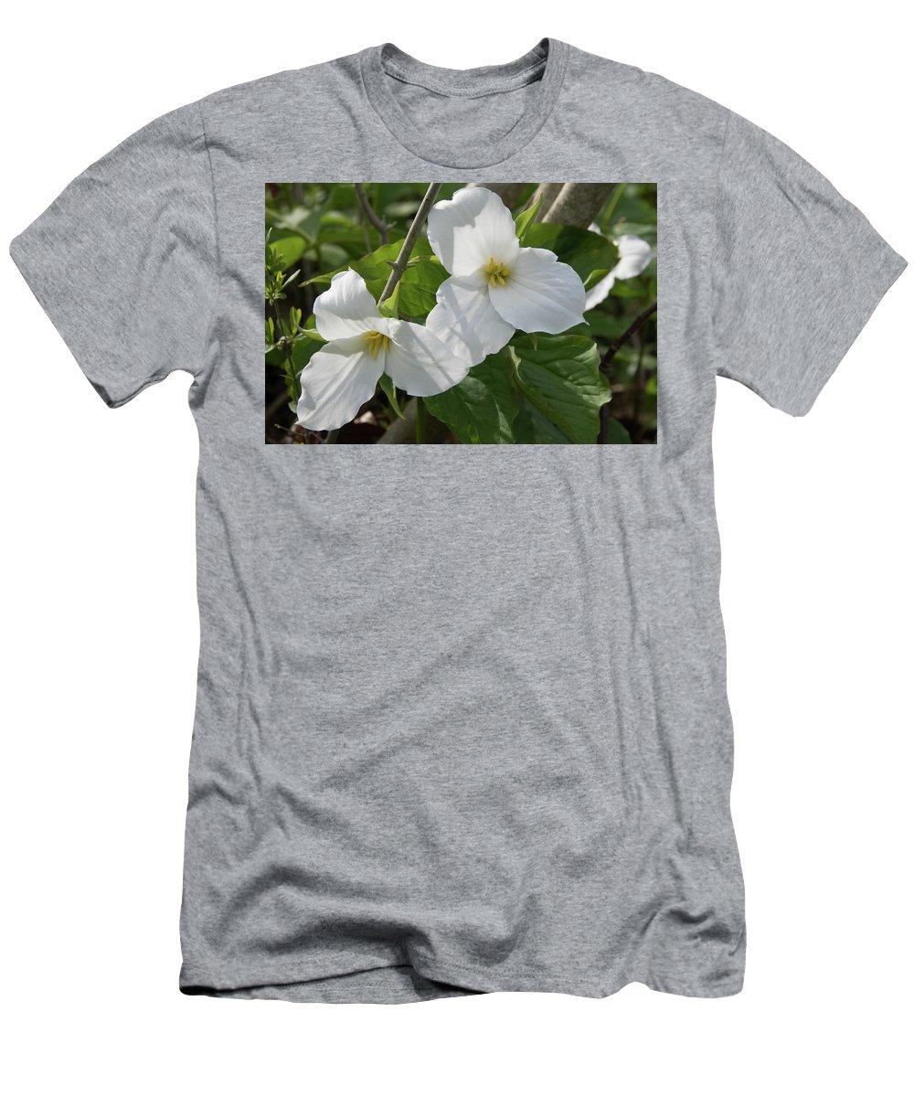 Trillium Men's T-Shirt (Athletic Fit) featuring the photograph Trillium X 2 by Dawn Dasharion