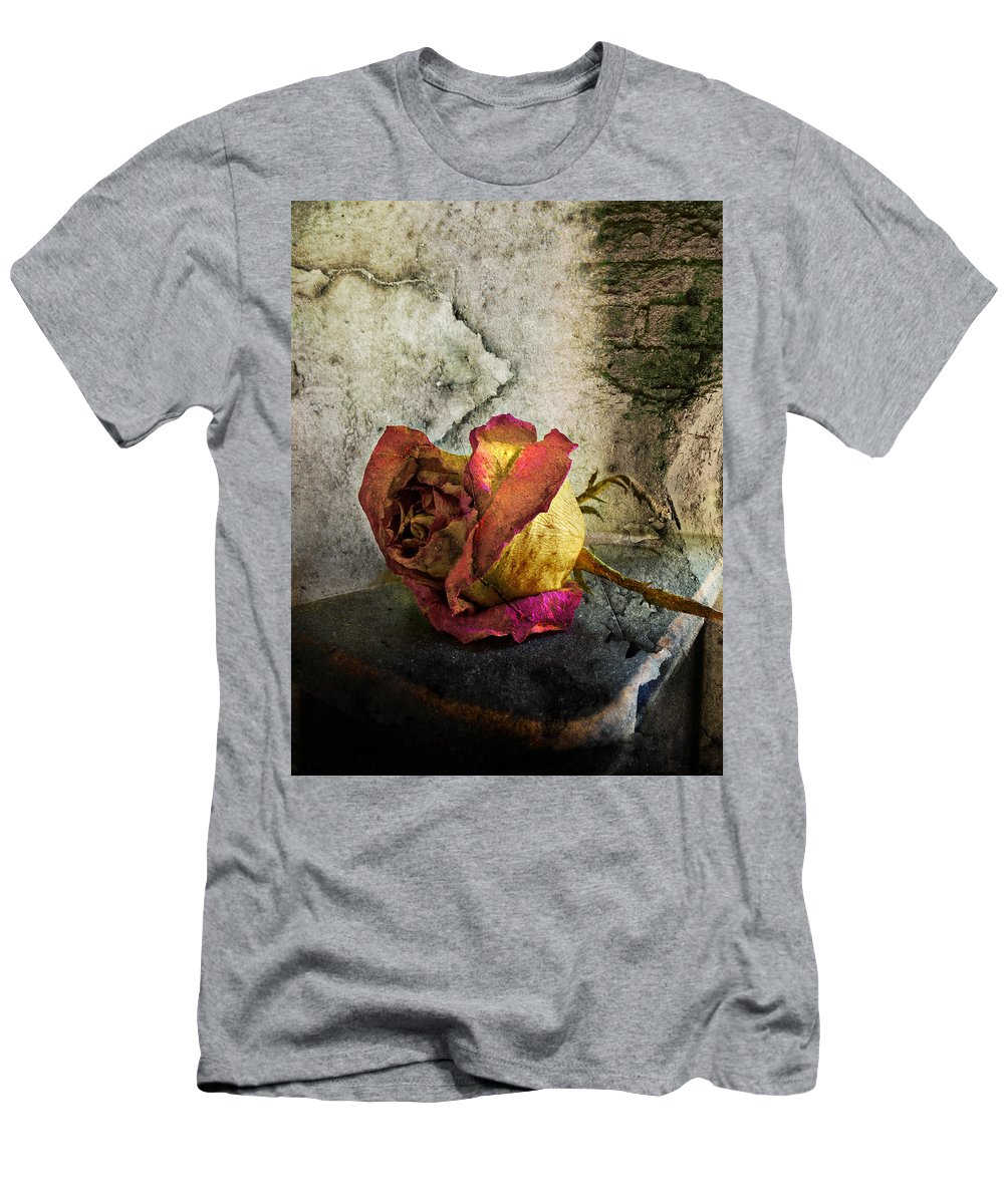 Roses Men's T-Shirt (Athletic Fit) featuring the photograph Unforgettable by John Anderson